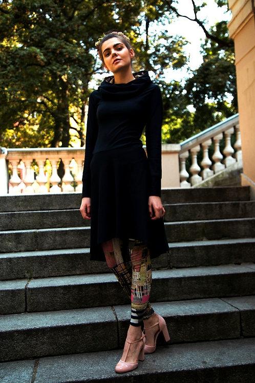 ManduTrap - Tapered Hoodie Kleid (Schwarz)