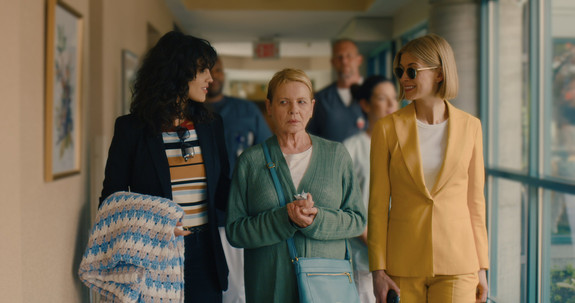 Two Oscar-Worthy Performances Amp Up 'I Care a Lot' [Review]