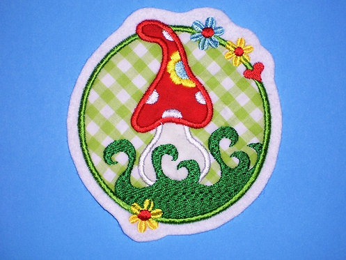 Fliegenpilz Button Aufnäher grün