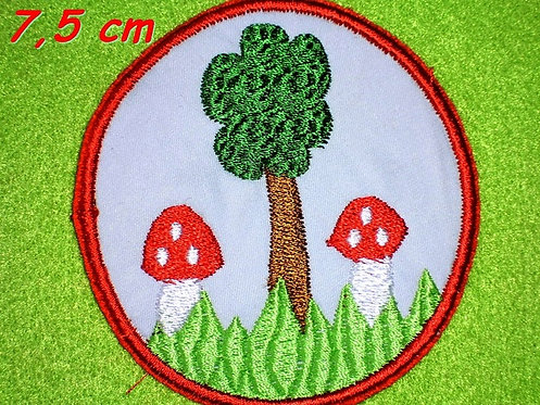 Fliegenpilz mit Baum Button Aufnäher