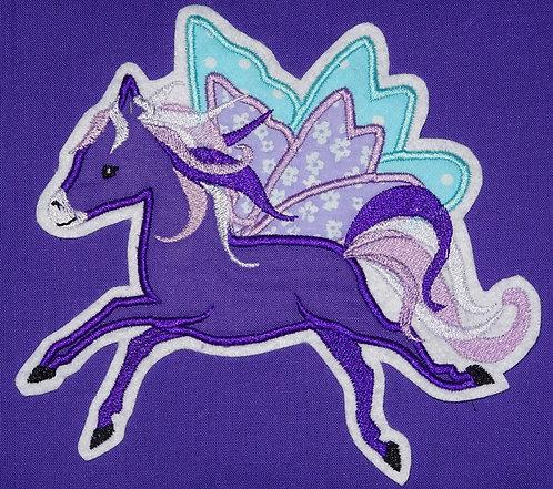 Stickdatei Pegasus in 7 Größen Pferd Schmetterling