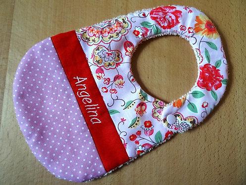 Lätzchen rosa rot mit Name und Blumen