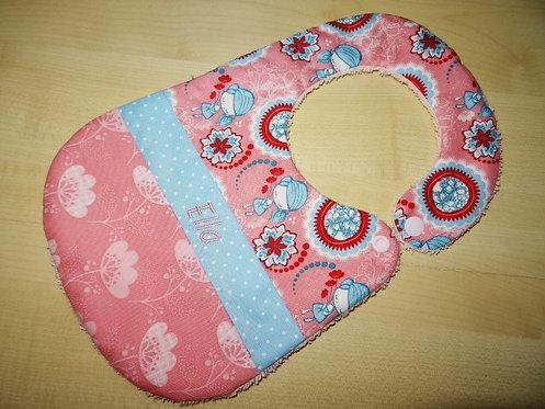 Lätzchen rosa hellblau mit Name und Mädchen