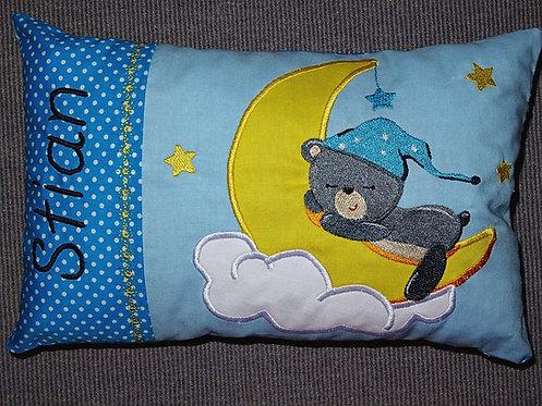 Namenskissen mit Bär auf dem Mond in Wunschfarbe