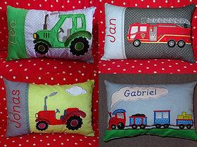 Traktor Feuerwehr Lok Eisenbahn Fahrzeuge Kissen ITH Stickdatei