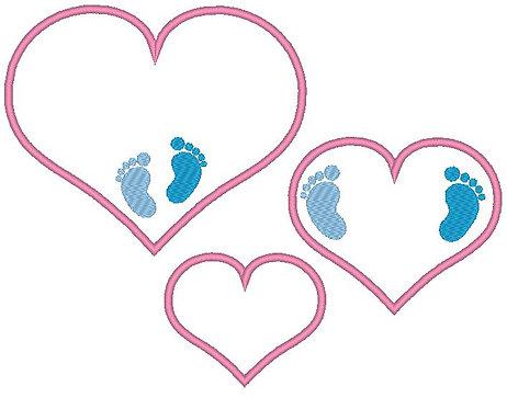 Herz mit Baby Füßchen Stickdatei