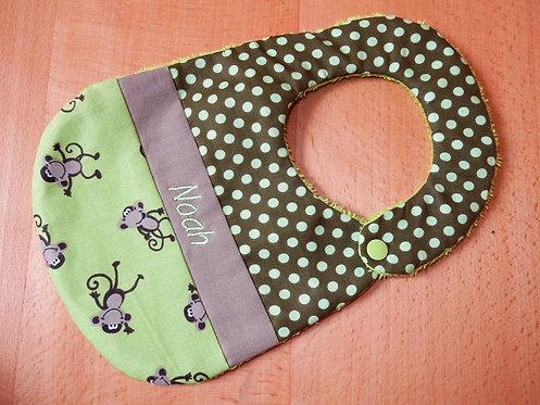 Lätzchen Punkte oliv grün mit Name und Affen