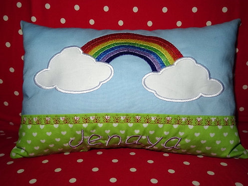 Regenbogen Namenskissen in Wunschfarbe