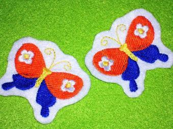2 kleine Schmetterlinge Aufnäher in Wunschfarbe