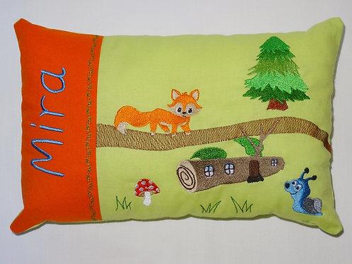 Im Wald mit Fuchs und Schnecke Namenskissen in Wunschfarbe