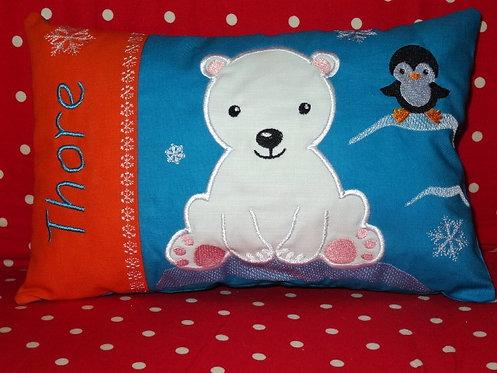 Namenskissen mit Eisbär und kleinem Pinguin in Wunschfarbe