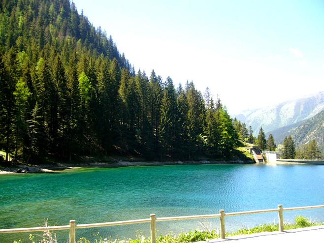 Lac du Boreon la-maison-du-petit-bois
