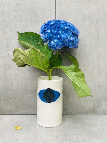 vase, regarde moi