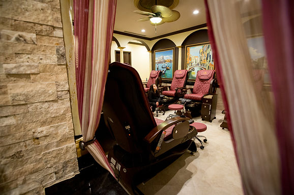 AV Nail Spa Southlands LLC