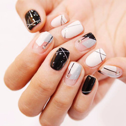 short-nails-looks-4