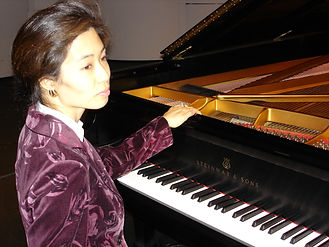 Pianist Youngwon French
