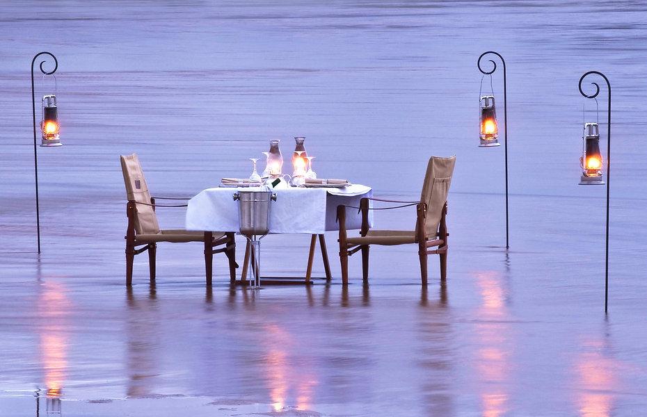 MFUWE BCC DINNER IN THE RIVER HONEYMOON