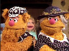 The Muppets sing 'Knees up Mother Brown'