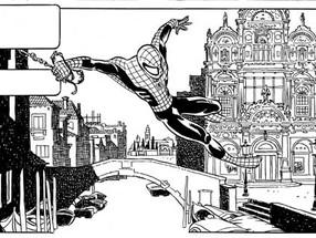 L'uomo ragno volteggia tra le calli e i campanili di Venezia...