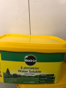 2KG Miracle Gro Lawn Feed