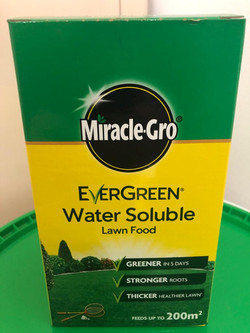 1kg Miracle Gro Lawn Feed
