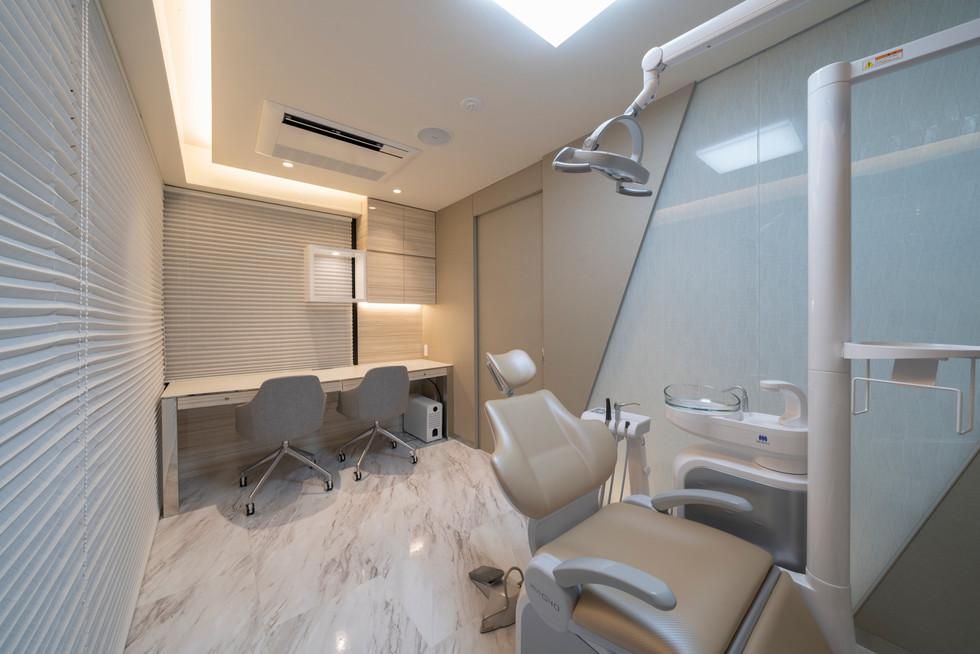 子供と大人の矯正歯科