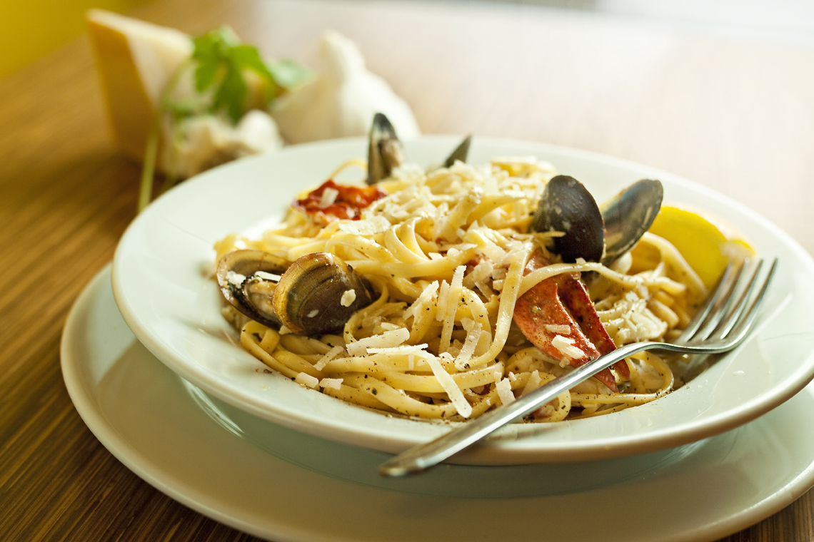 Lobster And Mussel Linguine