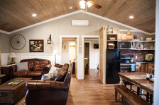 Country House Great Room Family Vacation Rental near Austin TExas