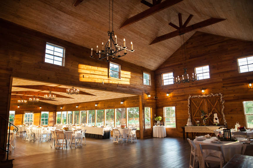 Rustic Elegance at WindSong Barn