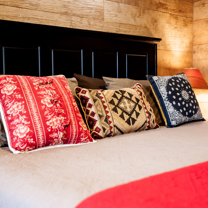 LIve oak Lodge Cabins for rent Austi