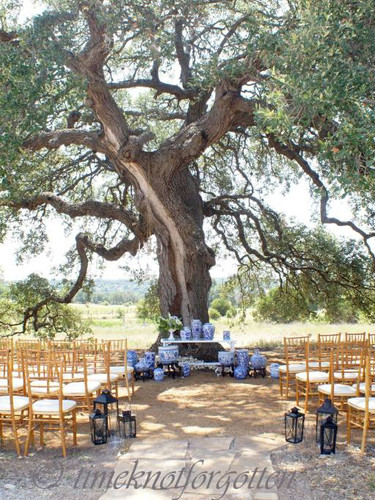 Wedding Venues with Outdoor ceremony space in Dripping Springs Texas
