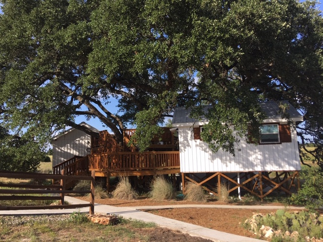 Treehouse Lodging Dripping Springs, Texas