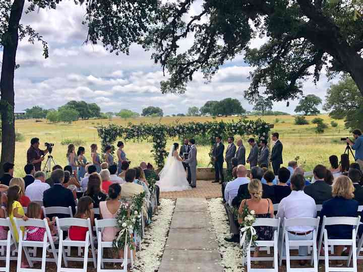 Hill Country Outdoor Wedding at THe Alexander