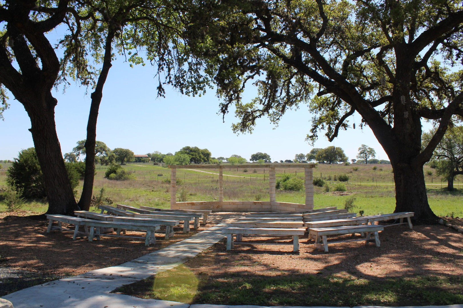 Outdoor ceremony sites near Austin texas