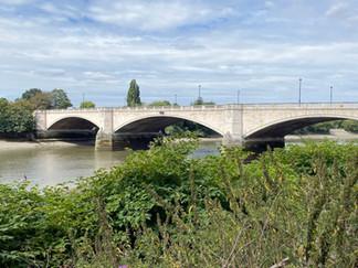 Approaching Chiswick Bridge