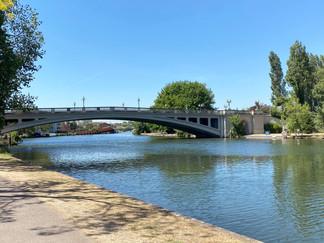 Approaching Reading Bridge again
