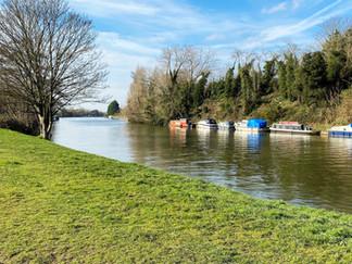 The path towards Sunbury-on-Thames
