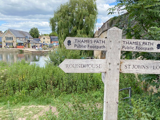 The walk starts from Halfpenny Bridge