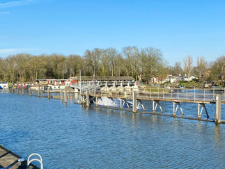 The weir at Molesey Lock
