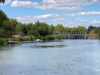 Approaching King's Lock & Weir