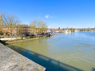 Looking downstream from Henley Bridge