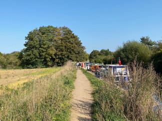 Craft queuing for Culham Lock