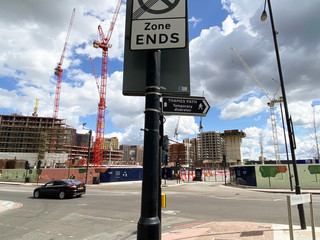 Building everywhere but Thames Path is still well signed