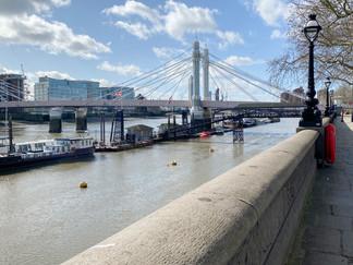 Approaching Albert Bridge