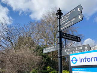 A confusing number of Thames Path signs!