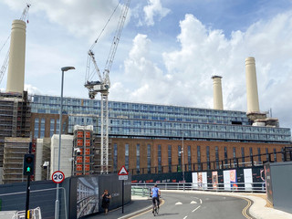 Detour to investigate the Battersea Power Station regeneration project. Far fewer cranes now!