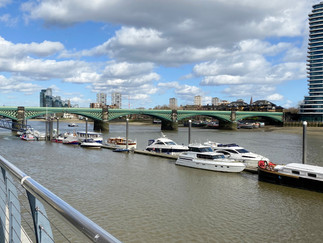 Looking back at the railway bridge. The tower is Lombard Wharf - more apartments