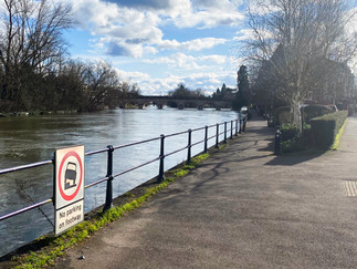 Looking back towards Maidenhead. Doesn't look like it would take much to flood