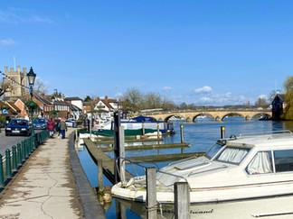 Having parked my car I walked to Henley Bridge