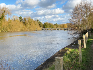 Heading towards Bell Weir Lock